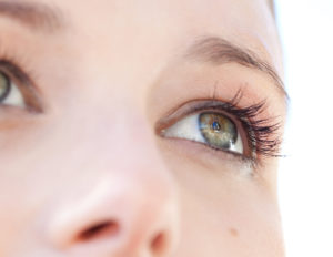 What to expect during a consultation for eyelid lift | Glendale